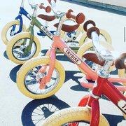 Les draisiennes évolutives @trybikefrance sont disponibles sur le site et seront en boutique dès demain !  Les couleurs disponibles sont vert, rouge, rose et bleu !  On a également reçu les paniers 😉  #paudours #paumaville #villedepau #lescar #lons #billère #pyreneesatlantiques #sudouest #nouvelleaquitaine #trybike #draisienne #tricycle #equilibre #siteinternet #siteweb #commerceindependant #kids #kidstore #jeux #jouet #balade